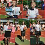 Uczniowie kończący rok szkolny z wyróżnieniem